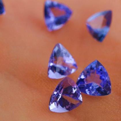 Natural Tanzanite 4mm 25 Pieces Lot..