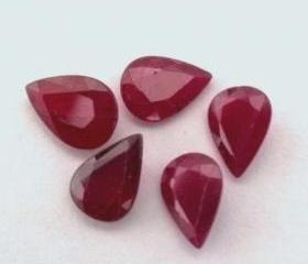 Natural Ruby 7x10mm ..