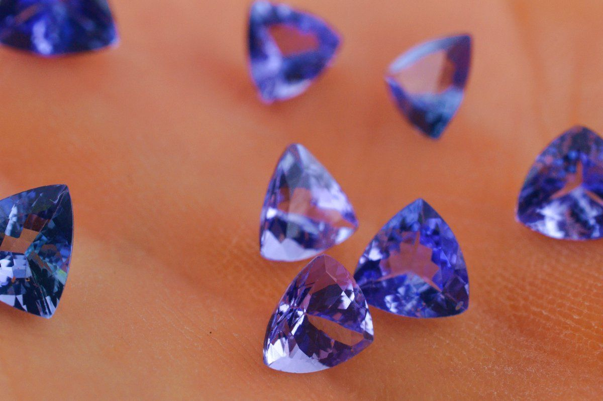Natural Tanzanite 4mm 25 Pieces Lot Faceted Cut Trillion Top Quality AA Color - Loose Gemstone