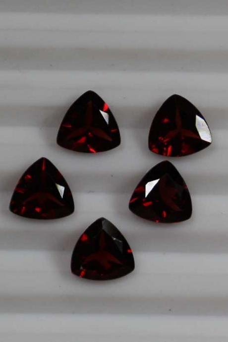 8mm Natural Red Garnet Faceted Cut Trillion 5 Pieces Lot Color ( AA) Red Garnet Top Quality Loose Gemstone