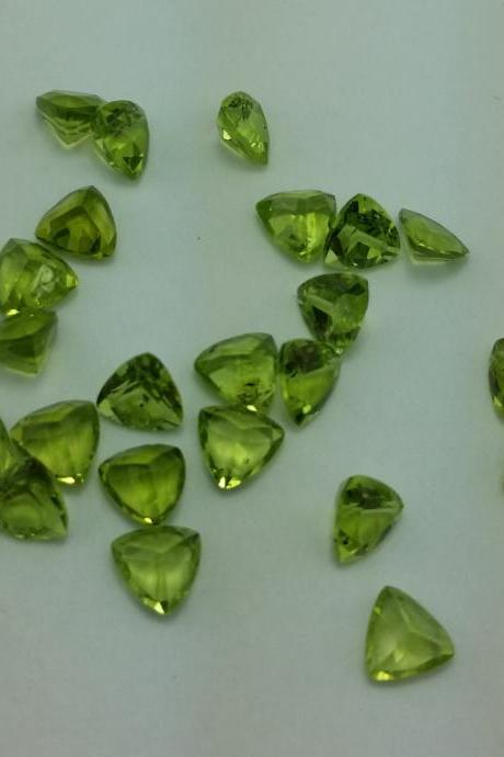 5mm Natural Peridot Faceted Cut Trillion 5 Pieces Lot Calibrated Size VS Quality Green Color Loose Gemstone