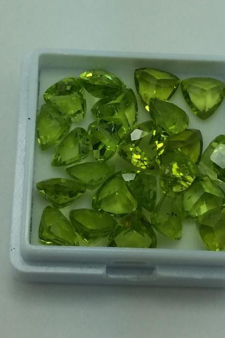 6mm Natural Peridot Faceted Cut Trillion 100 Pieces Lot Calibrated Size VS Quality Green Color Loose Gemstone