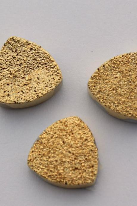 Natural 11mm,12mm 25 Pieces Gold Color Coating Flat Druzy Trillion Best Top Gold Color Gemstone Lot