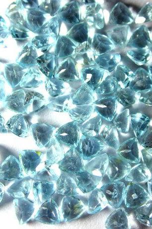 Natural Sky Blue Topaz 6mm 10 Pieces Lot Faceted Cut Trillion Blue Color - Natural Loose Gemstone